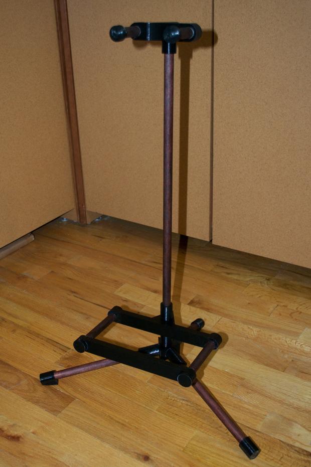 diy guitar stand 7. Black Bedroom Furniture Sets. Home Design Ideas